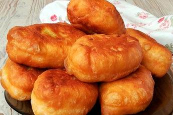 Мягкие и пышные пирожки на кефире за 30 минут