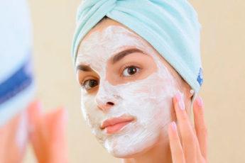 8 потрясающих преимуществ маски для лица с йогуртом
