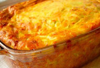 Идеальное летнее блюдо за копейки - запеканка из кабачков, сыра и зелени