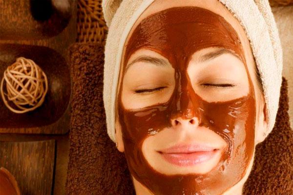 Используйте кокосовое масло и какао-порошок для идеальной кожи