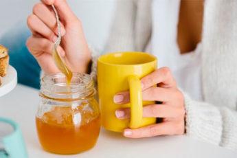 Медовая вода поможет избавиться от паразитов, лишних кг и задержит старение