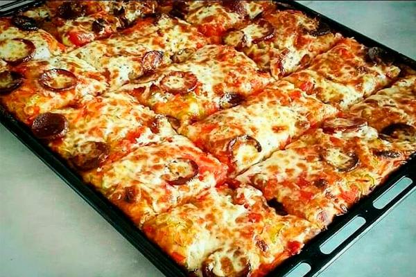 Быстрая пицца из легкого и воздушного кефирного тeста нa кефире