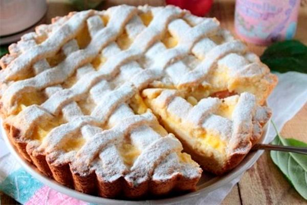 Вкуснейший пирог с яблоками и заварным кремом – очень нежный, просто тает во рту