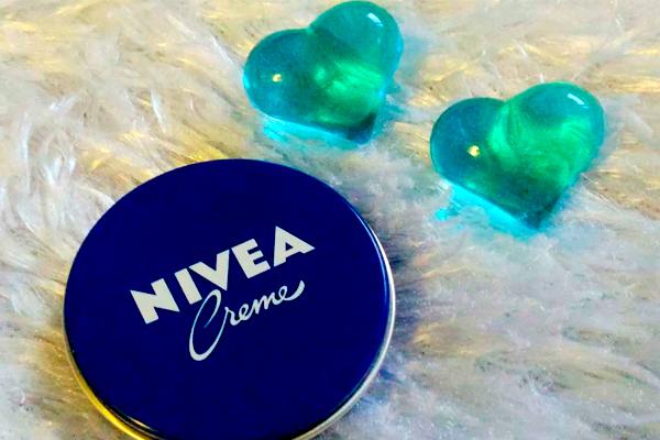 Способы использования крема Nivea в маленькой синей баночке