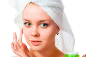 Готовим увлажняющий крем для лица в домашних условиях