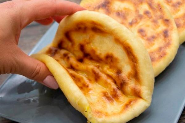 Секрет приготовления правильных хачапури. Быстро и вкусно!