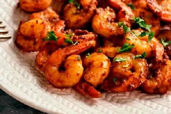 Обалденные креветки жареные в соевом соусе с чесноком