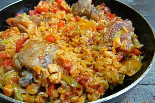Ароматная курица с рисом по-испански. Любовь с первой ложки!