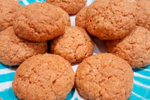 Овсяное печенье на кефире: лакомство для тех, кто на диете!
