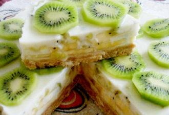 Йогуртовый тортик с фруктами без выпечки