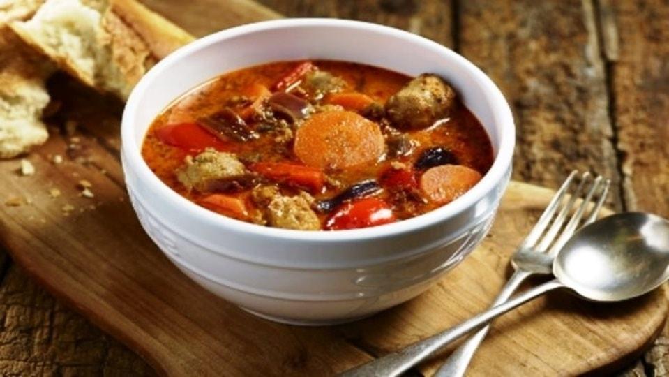 Суп гуляш из говядины — густой и ароматный. Такой рецепт должен быть у каждой хозяйки!