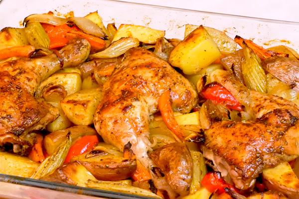 Курица с овощами запеченная в духовке: вкусное и простое блюдо