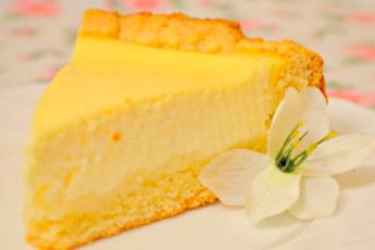 Банка сметаны, пара яиц и минимум усилий для самого вкусного пирога