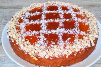 Простой и вкусный пирог с абрикосовым джемом