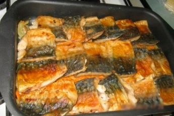 Сочная рыбка для легкого ужина: скумбрия в духовке «Морской кит»